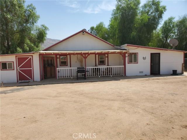 22133 Big Timber rd Road, Moreno Valley CA: https://media.crmls.org/medias/389c62d9-86f9-4044-90e3-eff170e8f10e.jpg