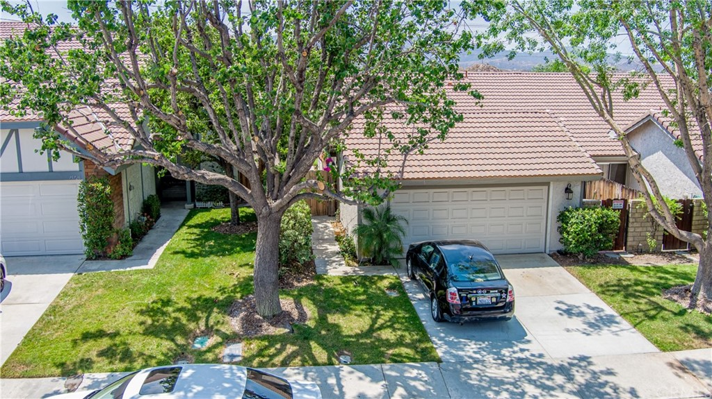 15730     Rosehaven Lane, Canyon Country CA 91387