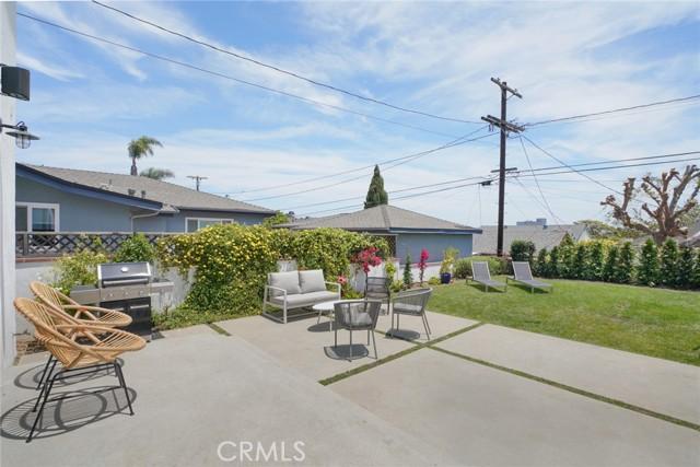 15. 7334 Kentwood Avenue Los Angeles, CA 90045