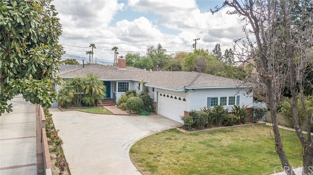 220 S Orchard Drive, Burbank, CA 91506