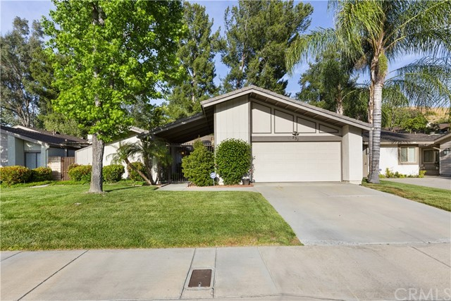 551 Via Zapata, Riverside, CA 92507