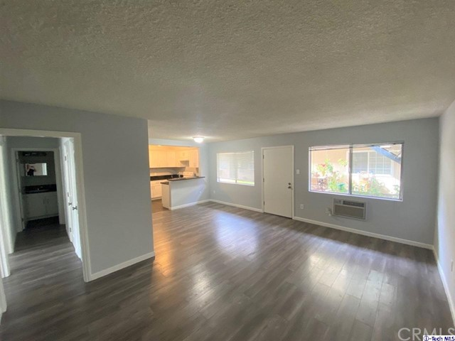 10707 New Haven St, Sun Valley, CA 91352 Photo