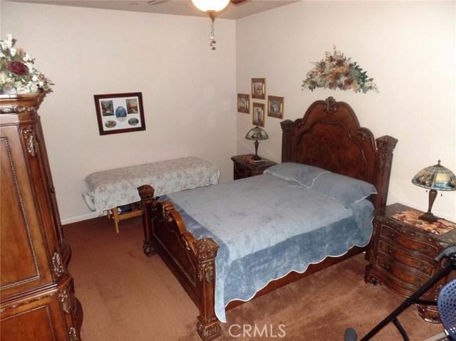 10990 Rodeo Rd, Oak Hills, CA 92344 Photo 25