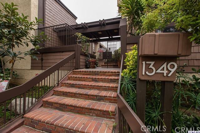 1349 N Columbus Avenue 16, Glendale, CA 91202