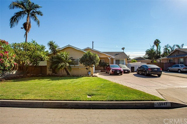13047 Leahy Avenue, Downey, California 90242, 3 Bedrooms Bedrooms, ,2 BathroomsBathrooms,Single Family Residence,For Sale,Leahy,DW20222038