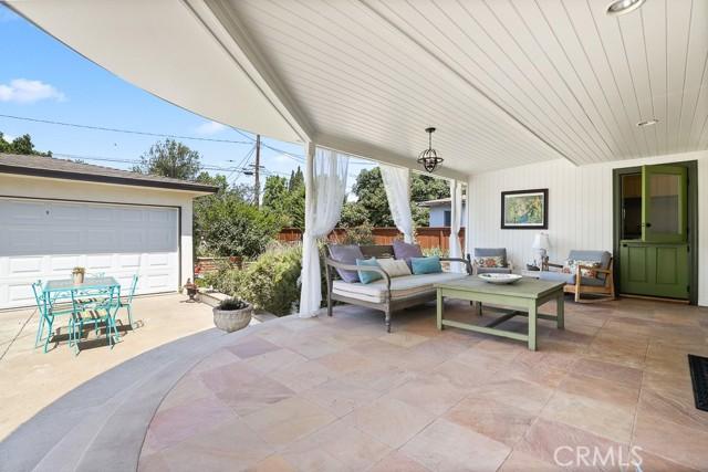 18. 2102 Poinsettia Street Santa Ana, CA 92706