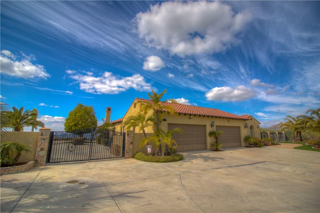 5239 Lochmoor Drive, Riverside, CA 92507