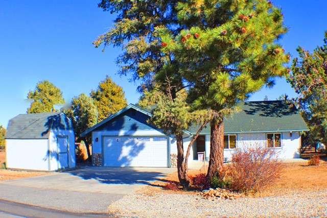 187 Dixie Lee Lane, Big Bear, CA 92386