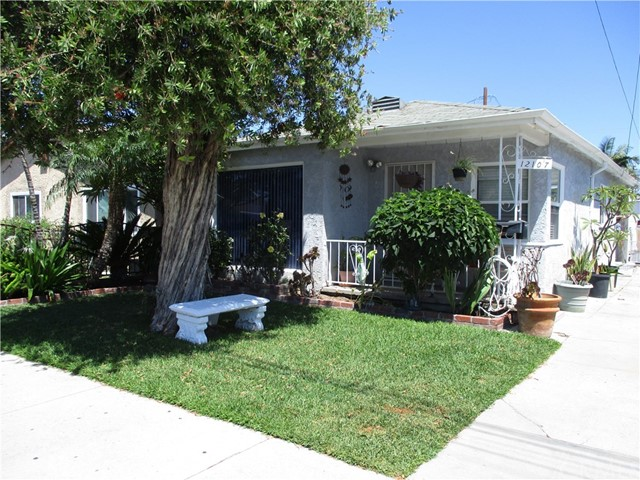 12107 163rd Street, Norwalk, California 90650, 2 Bedrooms Bedrooms, ,1 BathroomBathrooms,Single Family Residence,For Sale,163rd,DW20149582