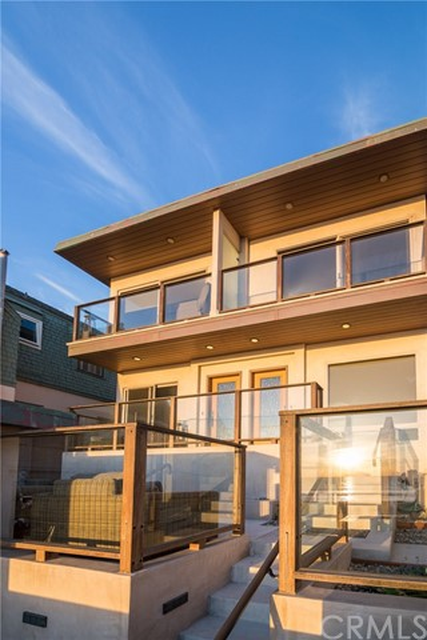 3204 The Strand, Manhattan Beach, California 90266, 2 Bedrooms Bedrooms, ,2 BathroomsBathrooms,For Rent,The Strand,SB20147440