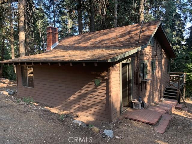 885 Quail Trail, Lake Arrowhead CA: https://media.crmls.org/medias/3aed36ca-1feb-4de7-a8c5-fe19d01ee2de.jpg