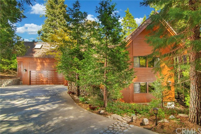 484 Cedar Ridge Drive, Lake Arrowhead, CA 92352