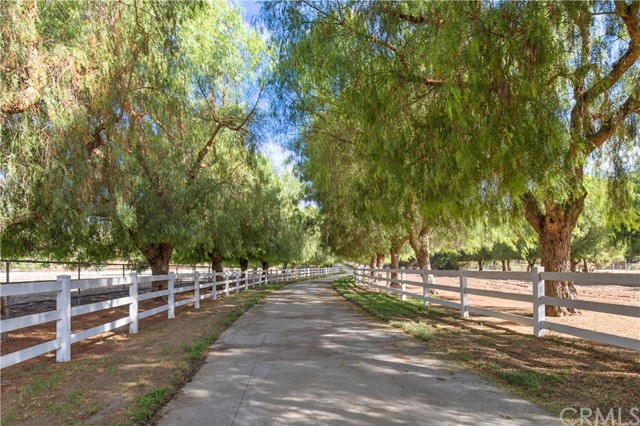 Photo of 36910 Pauba Road, Temecula, CA 92592