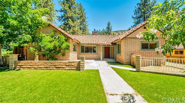 948 Evergreen Road, Wrightwood, CA 92397