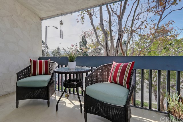 904 Camino Real, Redondo Beach, California 90277, 2 Bedrooms Bedrooms, ,2 BathroomsBathrooms,Condominium,For Sale,Camino Real,SB19068805