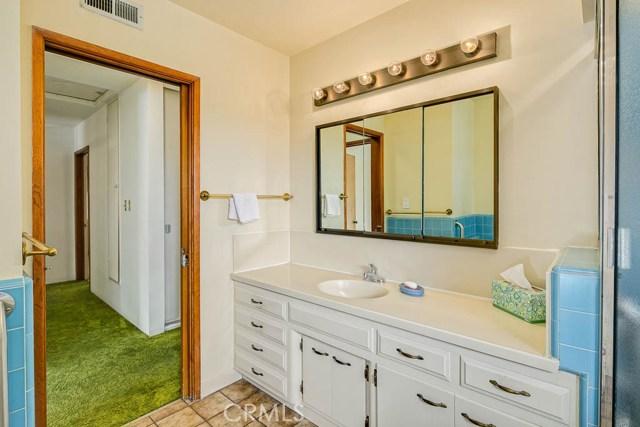 1260 Club House Dr, Pasadena, CA 91105 Photo 15