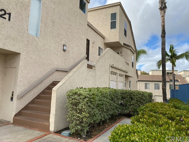 6121 Calle Mariselda 304, San Diego, CA 92124