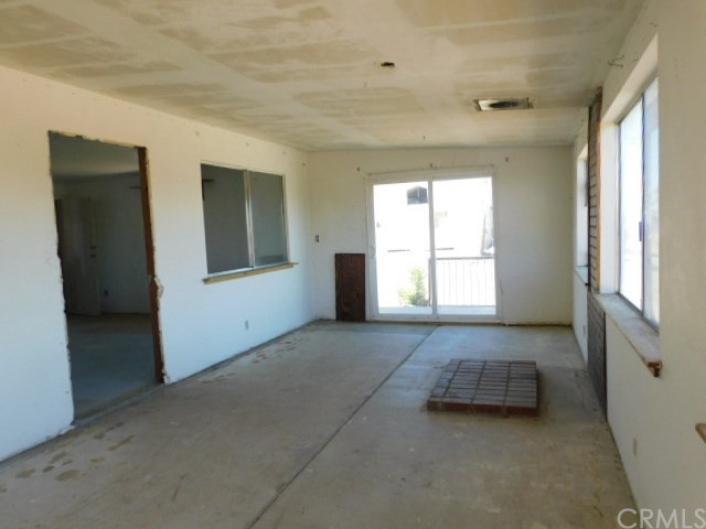 32425 Emerald Rd, Lucerne Valley, CA 92356 Photo 6