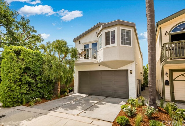 1023 4th Street, Hermosa Beach, California 90254, 3 Bedrooms Bedrooms, ,2 BathroomsBathrooms,For Sale,4th,SB19152573