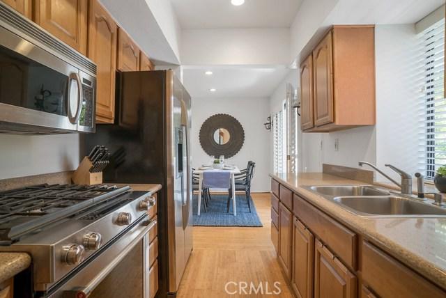 1315 Manhattan Beach Boulevard D, Manhattan Beach, California 90266, 2 Bedrooms Bedrooms, ,2 BathroomsBathrooms,For Rent,Manhattan Beach,SB20135998