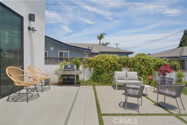 13. 7334 Kentwood Avenue Los Angeles, CA 90045