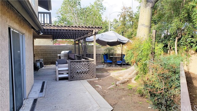 1000 Spruce Lane, Pasadena, CA 91103