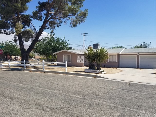 23889 Tocaloma Road, Apple Valley, CA 92307