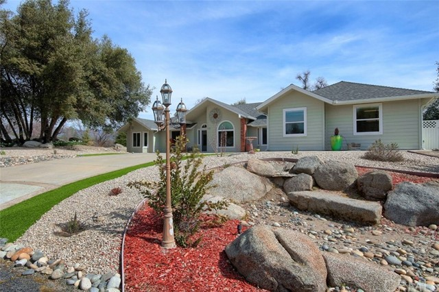 41313 Singing Hills Circle, Ahwahnee, CA 93601