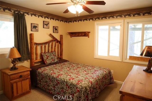 33067 Maple Ln, Green Valley Lake, CA 92341 Photo 11