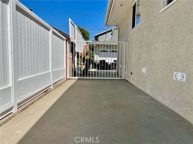 36. 3172 Ostrom Avenue Long Beach, CA 90808