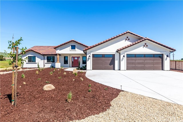 13180 N Bluffs Court, San Miguel, CA 93451