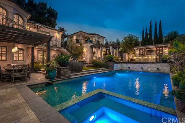 612 John Street- Manhattan Beach- California 90266, 6 Bedrooms Bedrooms, ,3 BathroomsBathrooms,For Sale,John,SB18128265