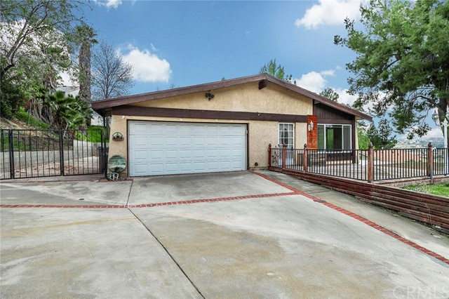 18724 Vicci Street, Canyon Country, CA 91351