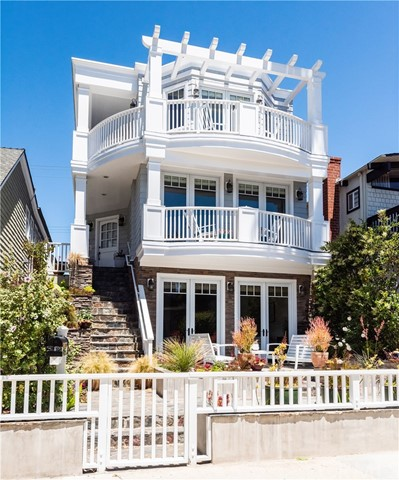 401  10th Street, Manhattan Beach, California