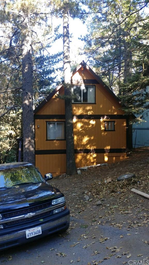 1183 Scenic Way, Rimforest, CA 92378