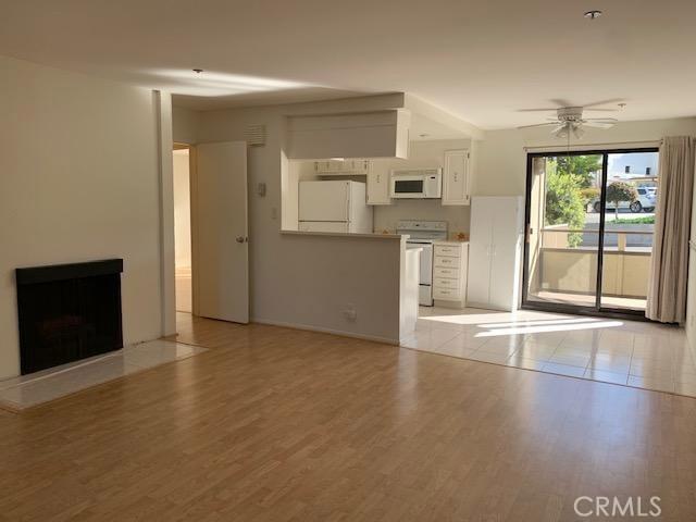 625 Esplanade 35, Redondo Beach, California 90277, 2 Bedrooms Bedrooms, ,1 BathroomBathrooms,For Rent,Esplanade,SB19060342