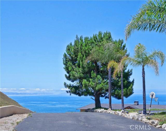 26. 30745 Tarapaca Road Rancho Palos Verdes, CA 90275
