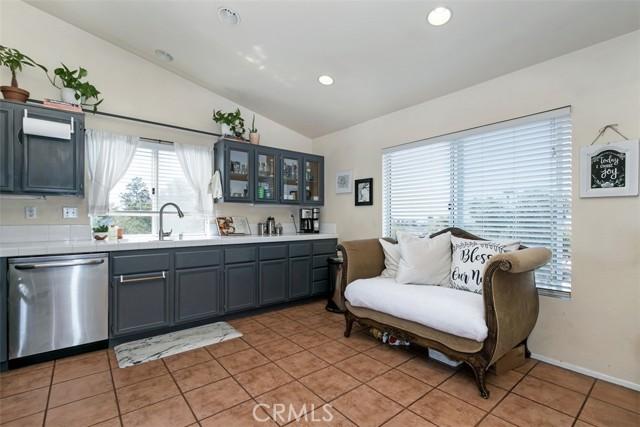 15. 843 Viewtop Circle Corona, CA 92881