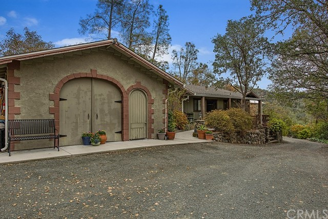 23285 West Road, Middletown, CA 95461