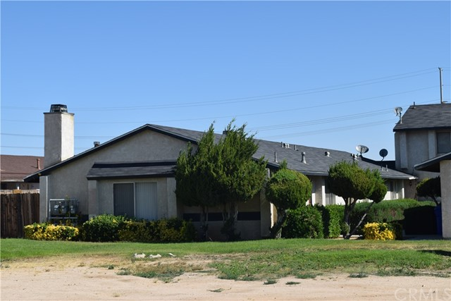 21250 Laguna Road, Apple Valley, CA 92308