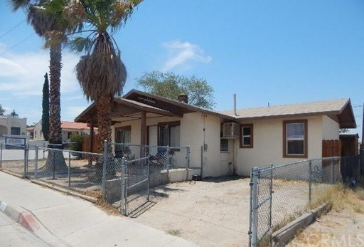 220 S 2nd Ave, Barstow, CA 92311