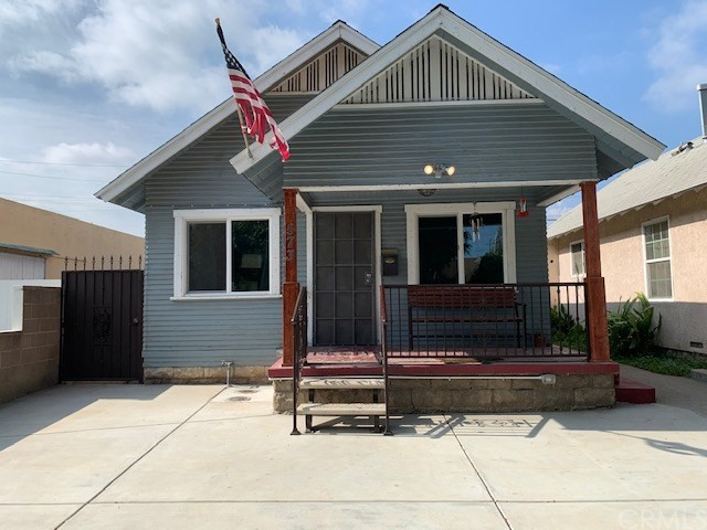 573 W Center Street W, Pomona, CA 91768