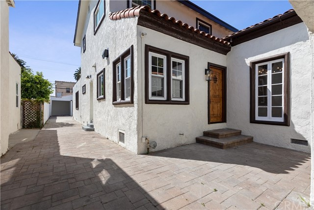 3019 Vineyard Avenue, Los Angeles, CA 90016