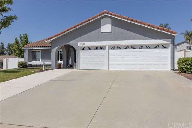 North Upland location, great schools and neighborhood.  Single story with RV parking, corner lot, privacy and so much more. 4 bedrooms, 2 full bathrooms, large landscaped yard, great patio that has a remote to open or close, spacious kitchen, inside laundry plus a 3 car garage.