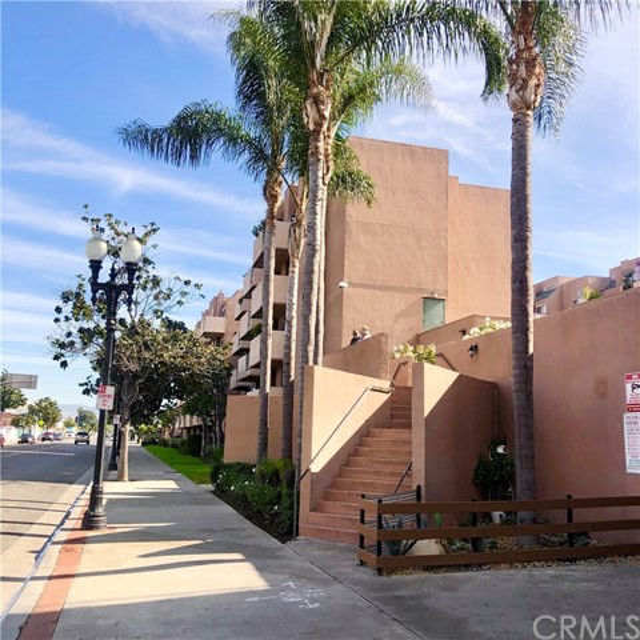 450 E 4th Street 208, Santa Ana, CA 92701