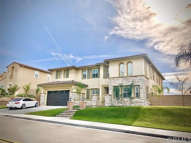 Photo of 18402 Lakepointe Drive, Riverside, CA 92503