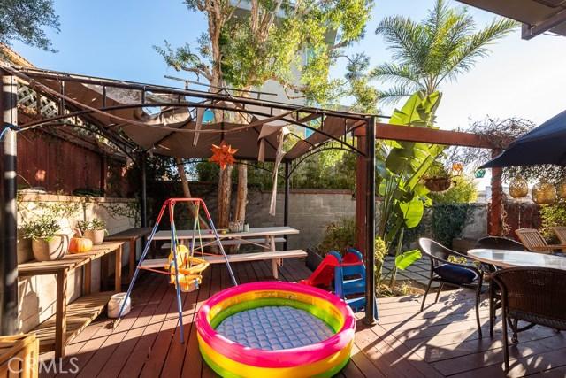 824 7th Street, Hermosa Beach, California 90254, 3 Bedrooms Bedrooms, ,2 BathroomsBathrooms,For Sale,7th,SB20226690
