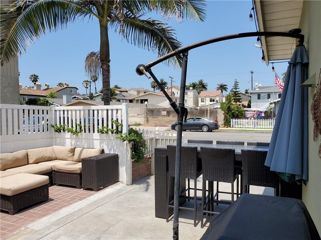 9. 226 8th Street Huntington Beach, CA 92648