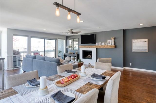 748 Manhattan Beach Boulevard B, Manhattan Beach, California 90266, 3 Bedrooms Bedrooms, ,3 BathroomsBathrooms,For Sale,Manhattan Beach,SB20129777