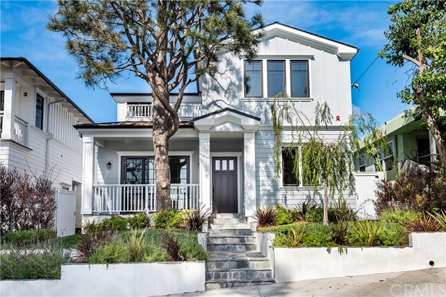 577 31st Street, Manhattan Beach, California 90266, 5 Bedrooms Bedrooms, ,5 BathroomsBathrooms,Single family residence,For Sale,31st,SB19056677